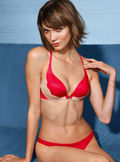 Karlie Kloss exposing her sexy body in hot bikini 